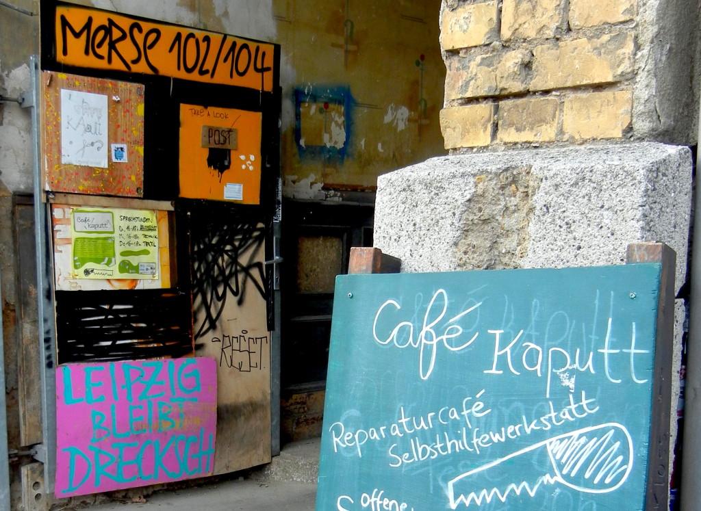 Cafekaputt_Eingang_offen